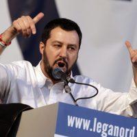 """""""La magistratura italiana è un cancro da estirpare"""": Matteo Salvini viene rinviato a giudizio per vilipendio"""